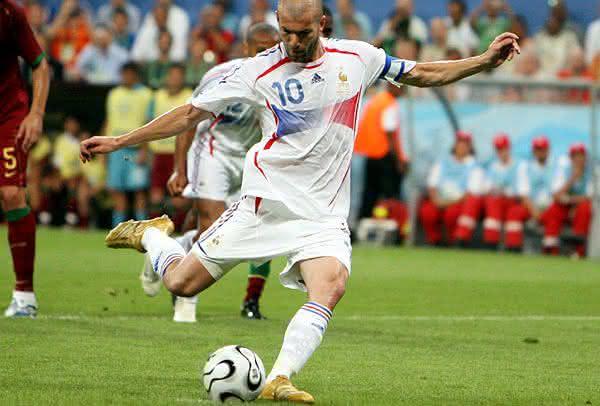 Zidane entre os melhores cobradores de penaltis de todos os tempos