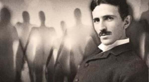 alieligenas entre as historias tragicas sobre a loucura de Nikola Tesla
