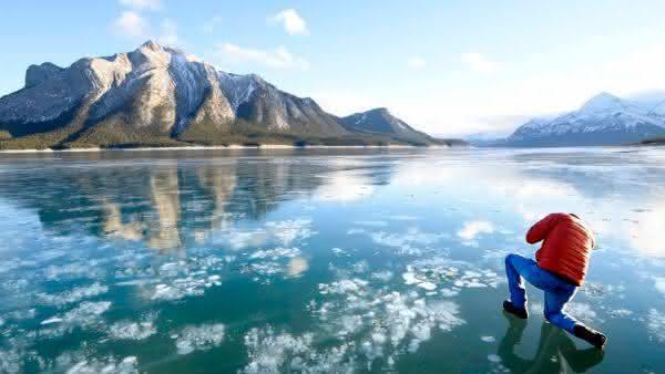 Bolhas de gelo inflamaveis entre os fenomenos naturais mais incriveis do mundo
