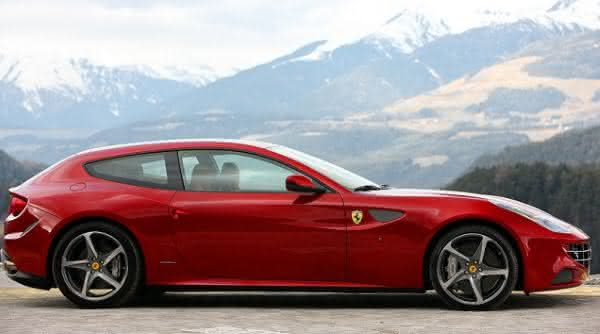 Ferrari FF entre os carros sedan de luxo mais caros do mundo