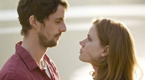 conexao emocional entre as razoes pelas quais as pessoas tem casos extraconjugais