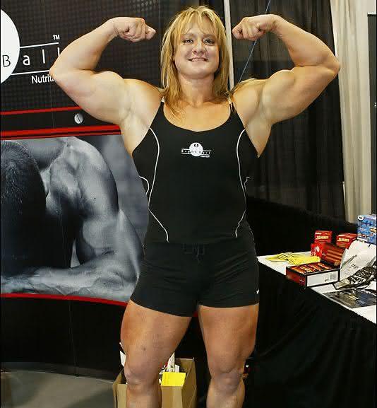 Becca Swanson entre as mulheres mais fortes do mundo