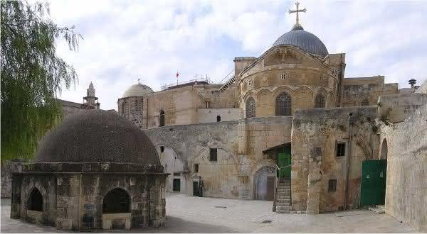 Igreja do Santo Sepulcro entre as igrejas mais famosas do mundo