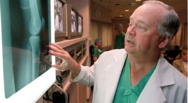 James Andrews entre os medicos mais ricos do mundo