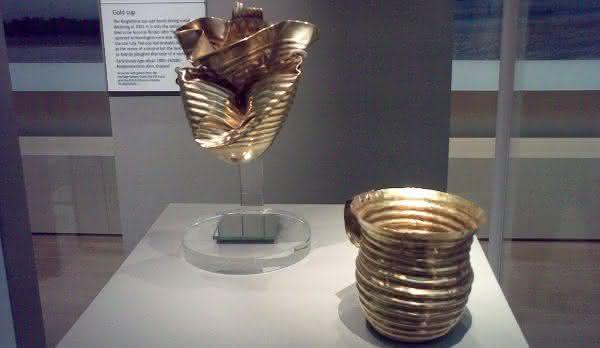 copo de ouro Ringlemere entre os maiores tesouros escondidos ja encontrados no mundo