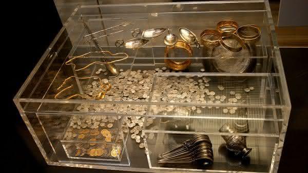 tesouro Hoxne entre os maiores tesouros escondidos ja encontrados no mundo