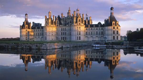 Castelo de Chambord entre as atracoes turisticas mais populares na Franca