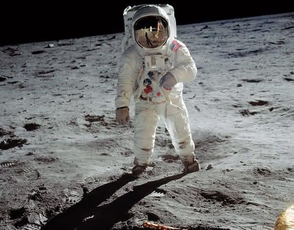 Um Homem na Lua entre as fotos mais influentes de todos os tempos