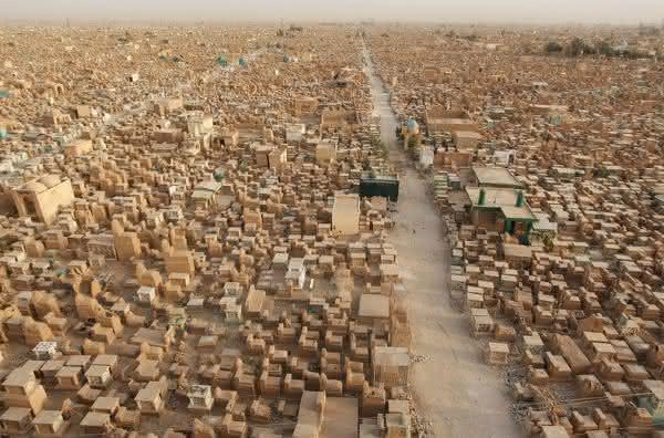 Wadi Al-Salam Cemetery entre os maiores cemiterios do mundo