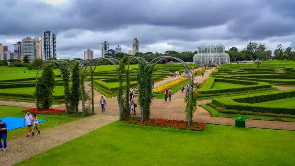 curitiba entre as melhores cidades para se aposentar no Brasil
