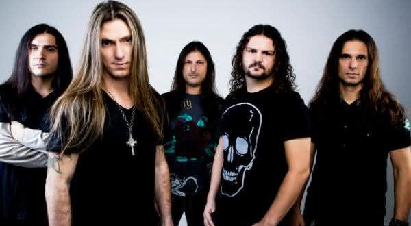 Angra entre as maiores bandas de rock brasileiras da historia