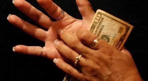 cocar palmas entre as superstições mais populares em todo o mundo