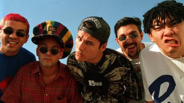 mamonas assassinas entre as maiores bandas de rock brasileiras da historia