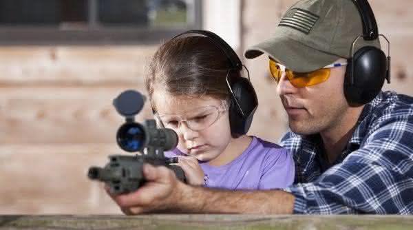 pais entre as razoes pelas quais os Estados Unidos tem tantos tiroteios em massa