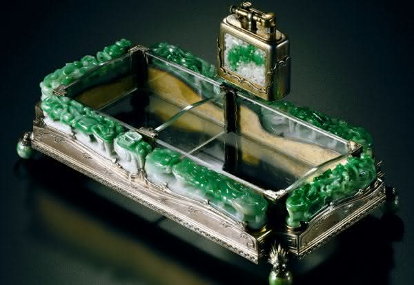 Jadeite Ashtray and Lighter entre os isqueiros mais caros do mundo