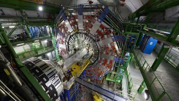 Grande Colisor de Hadrons 2 entre os maiores projetos de construcoes no mundo