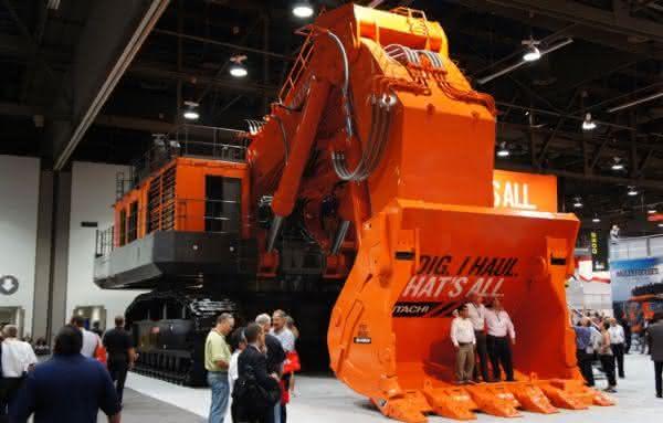 Hitachi EX5600-6 entre as maiores escavadeiras do mundo