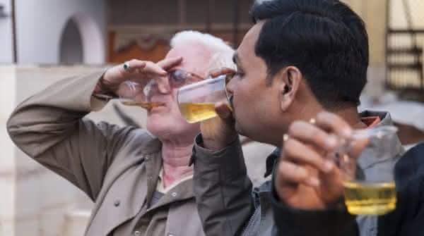 beber urina entre os metodos de teste de gravidez bizarros
