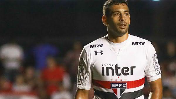 Diego Souza entre os atacantes mais bem pagos do brasil