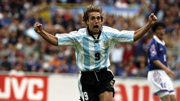 Batistuta entre os maiores jogadores da argentina em todos os tempos