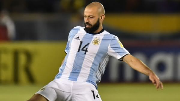 Mascherano entre os maiores jogadores da argentina em todos os tempos