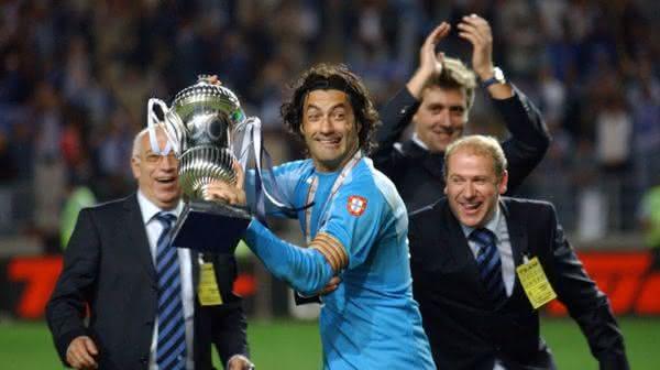 Vitor Baia entre os jogadores de futebol com mais titulos da historia