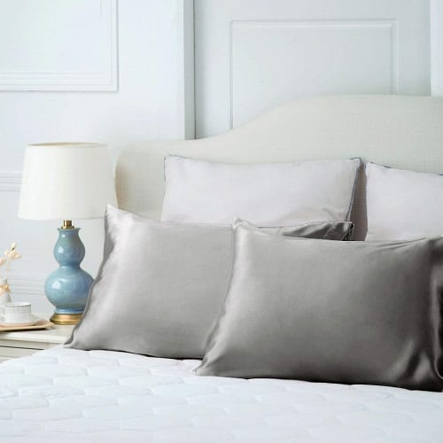 Top 10 Best Silk Pillowcases for Every Sleeping Beauty in 2020 Reviews