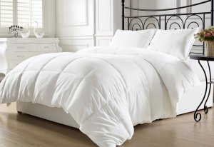 5. KingLinen White Down Alternative Comforter Duvet Insert Twin