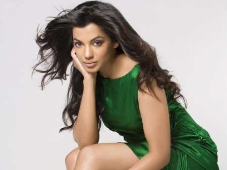 4.Top 10 Sexiest and Hottest Bollywood Actresses