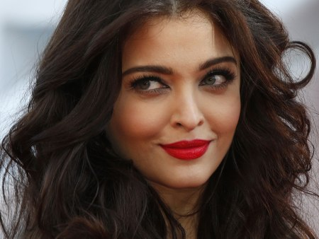 1.Top 10 Richest Bollywood Actresses in 2016
