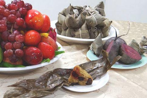 甜菜根健康粽熱量僅 285大卡,符合「低油、低鹽、低熱量、高纖維」原則。(圖片提供/奇美醫學中心營養科)