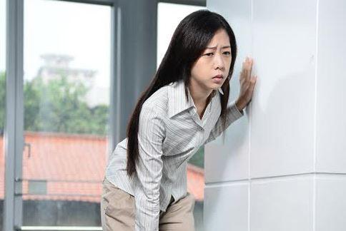 罕見疾病「多發性硬化症」好發於25至29歲輕熟女,患者常有肢體無力、痠麻、視力模糊的症狀。