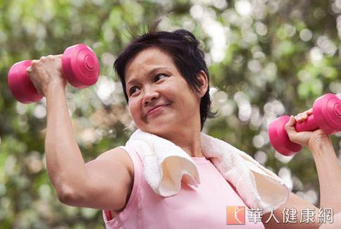 老年人運動量普遍不足,基礎代謝慢加上飲食不均衡,很容易就會出現蛋白質不足的問題。