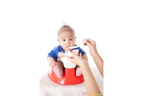 吃飽了嗎?解析0〜1歲寶寶奶量 - 醫療保健區 - SOGO論壇