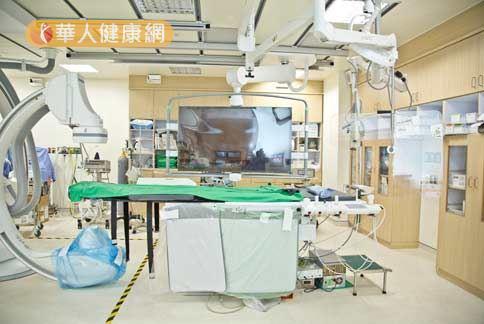 亞東醫院為目前新北市唯一的醫學中心等級醫院,全新心導管室已經在今年落成。(攝影/記者江旻駿)
