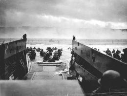 #4 Robert Capa D-Day Shots!