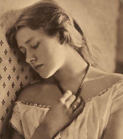 #1 Julia Margaret Cameron Portraits!