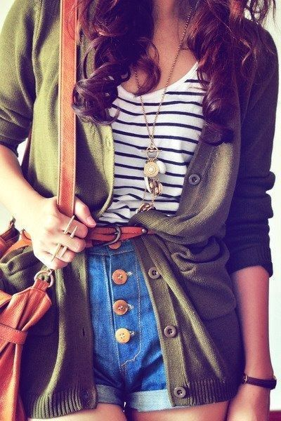 street-style-fall-olive-green-cardigan-stripes