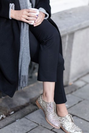 street-style-neutrals-and-glitter-shoes-683x1024