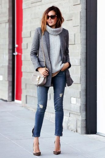light grey turtleneck plus skinny jeans
