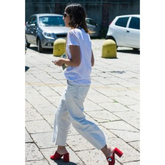 casual look with vribrant shoes