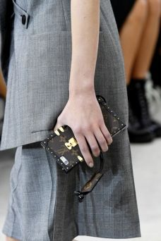 louis-vuitton-phone-case