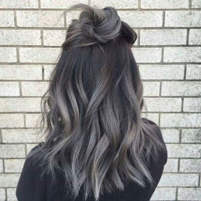 gray-ashe-blonde-with-dark-roots