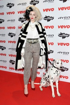 LONDON, ENGLAND - OCTOBER 31: Iggy Azalea dressed as Cruella de Vil attends the VEVO Halloween showcase at The Oval Space on October 31, 2013 in London, England. (Photo by Gareth Cattermole/Getty Images)