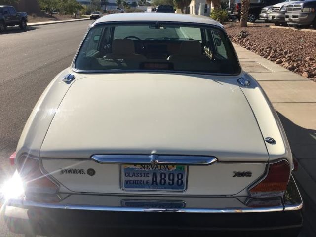 Beautiful 1987 Series III Jaguar XJ6 Sedan For Sale