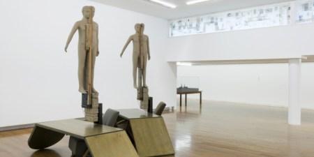 Mark Manders: Living Room Scene, 2008. Colección Stedelijk Museum, Amsterdam. Fotografía: Roger Wooldridge, cortesía de Zeno X Gallery, Amberes, Bélgica