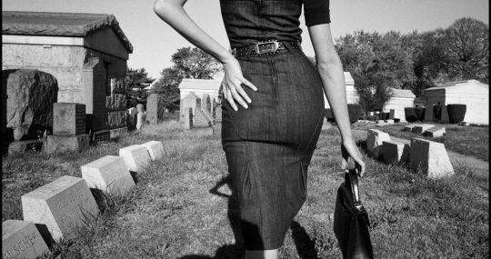 Sesión fotográfica para Funeral de la Mafia. Queens, Nueva York, EE.UU., Bruce Gilden (n. 1946), 2005 © Bruce Gilden/Magnum Photos