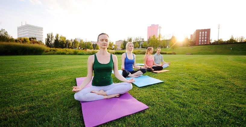curso de monitor de yoga online