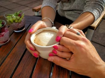 9drzanie za ruku Citáty o láske