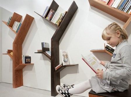Strom kníh od Kostasa Syrtariotisa